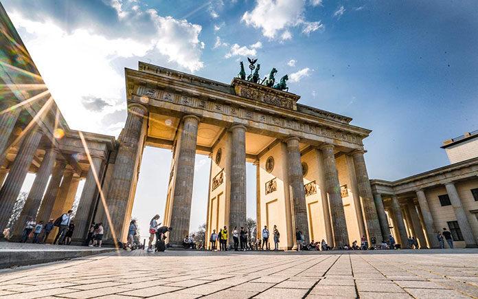 Plusy i minusy nauki niemieckiego przez internet